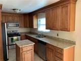 940 Redwood Cir - Photo 10