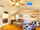 926 Brentwood Dr - Photo 3