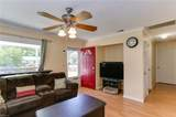 2803 Southport Ave - Photo 6