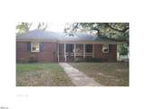 2935 Sterling Point Dr - Photo 1