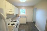 2804 Southport Ave - Photo 16