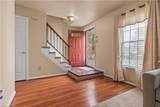 1820 Bloomfield Dr - Photo 2
