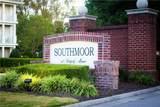 912 Southmoor Dr - Photo 2
