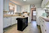 128 Queen Mary Ct - Photo 9
