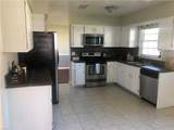1809 Bloomfield Dr - Photo 2