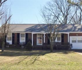 122 Eastwood Dr, Newport News, VA 23602 (#10129961) :: Hayes Real Estate Team