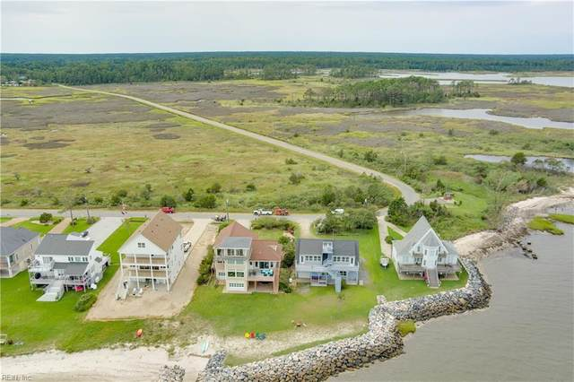 907 Bay Tree Beach Road, York County, VA 23696 (#10338809) :: Encompass Real Estate Solutions