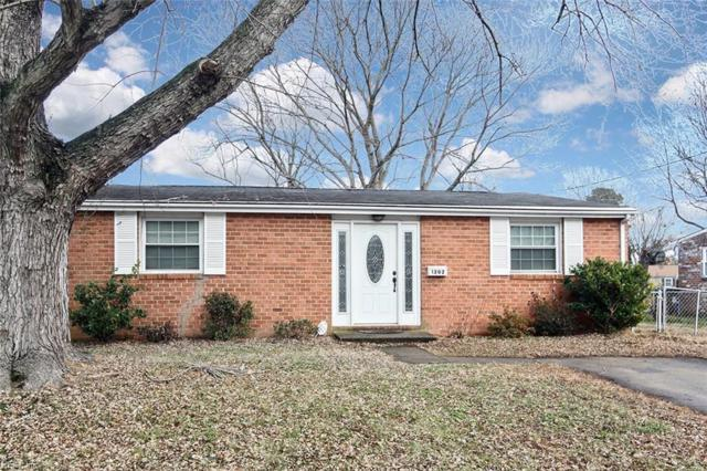 1202 Hale Dr, Hampton, VA 23663 (#10170212) :: Berkshire Hathaway HomeServices Towne Realty