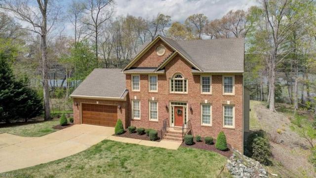 198 W Queens Dr, York County, VA 23185 (#10189347) :: The Kris Weaver Real Estate Team