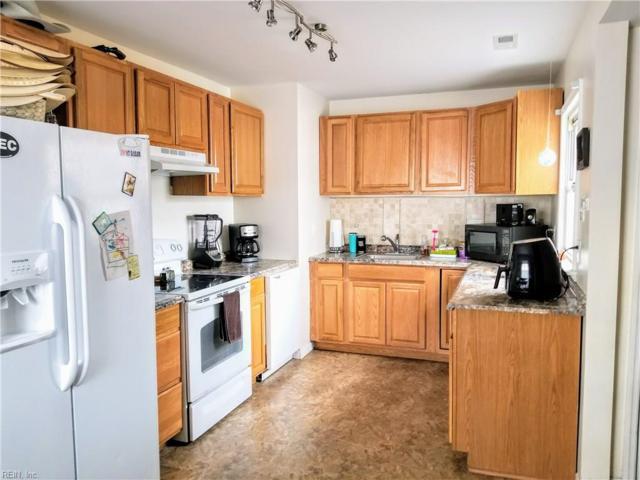 100 Pine Grove Ave, Hampton, VA 23669 (MLS #10190435) :: Chantel Ray Real Estate