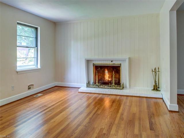 1126 Larchmont Cres, Norfolk, VA 23508 (MLS #10230172) :: Chantel Ray Real Estate
