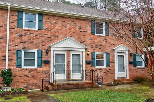 1245 Laskin Rd #4, Virginia Beach, VA 23451 (MLS #10232818) :: Chantel Ray Real Estate