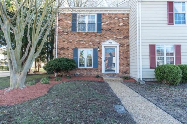935 Spinnaker Ct, Chesapeake, VA 23320 (#10242928) :: The Kris Weaver Real Estate Team