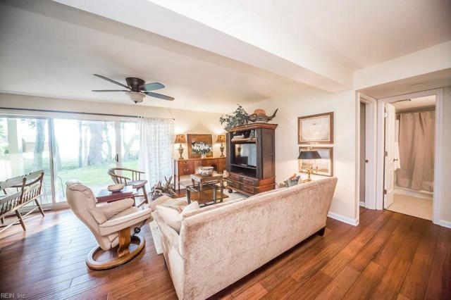 1028 Autumn Woods Ln #103, Virginia Beach, VA 23454 (#10259867) :: Momentum Real Estate
