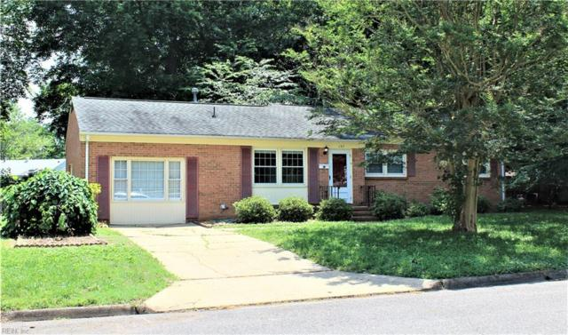 137 Longfellow Dr, Newport News, VA 23602 (MLS #10261303) :: Chantel Ray Real Estate