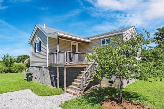 3 Pine St, Poquoson, VA 23662 (MLS #10270552) :: Chantel Ray Real Estate