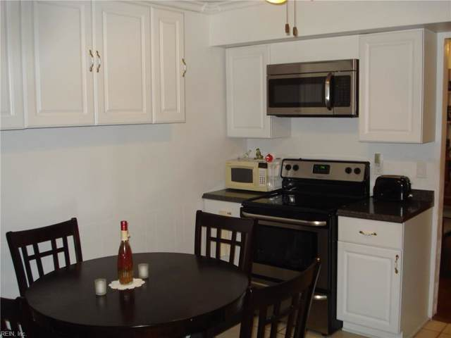 927 S Club House Rd, Virginia Beach, VA 23452 (MLS #10271077) :: Chantel Ray Real Estate