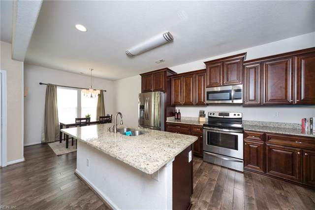 821 Turtle Dove Ct, Chesapeake, VA 23325 (#10274367) :: Berkshire Hathaway HomeServices Towne Realty