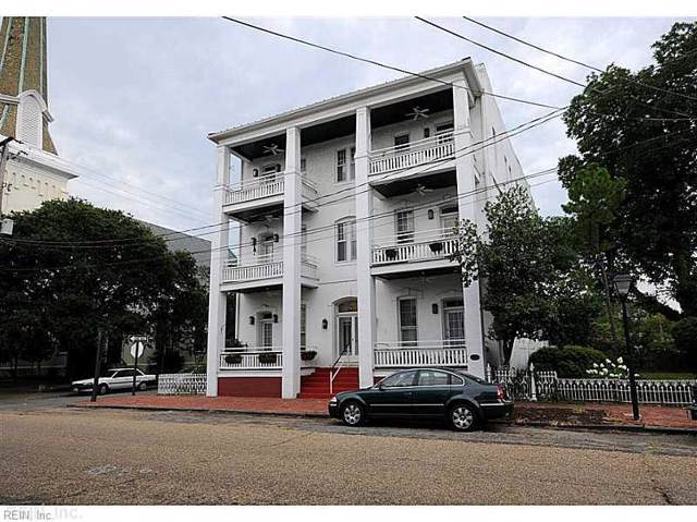 448 Dinwiddie St #302, Portsmouth, VA 23704 (#10276057) :: Abbitt Realty Co.