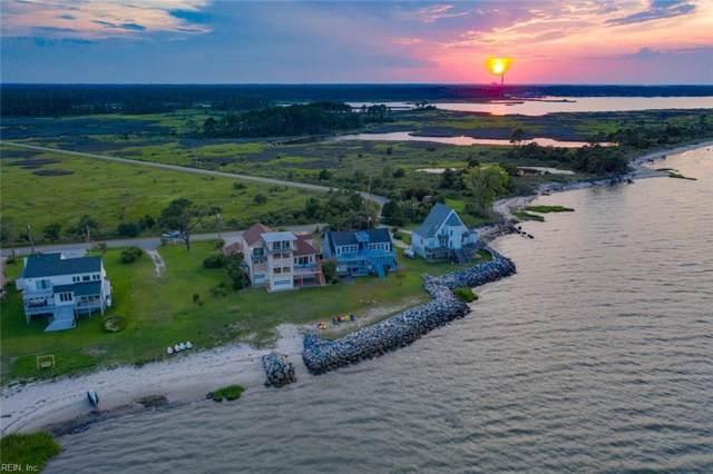 907 Bay Tree Beach Rd, York County, VA 23696 (MLS #10278059) :: Chantel Ray Real Estate