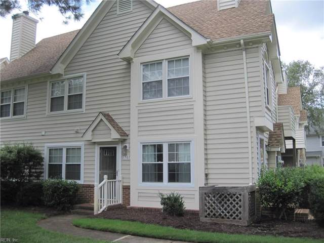 701 Nottoway River Ct A, Chesapeake, VA 23320 (#10278567) :: RE/MAX Central Realty