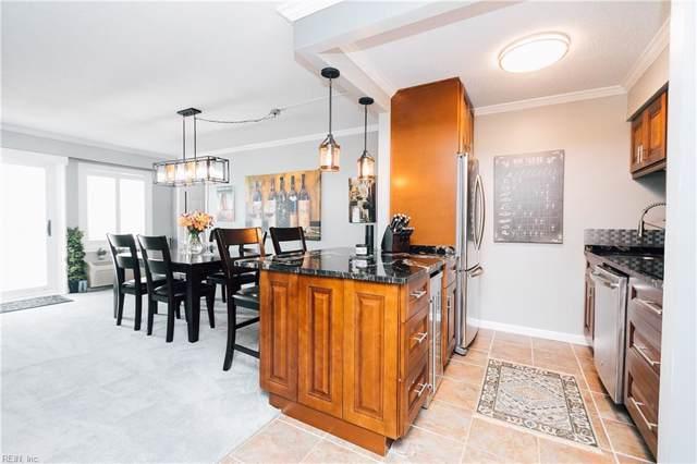 303 Atlantic Ave #1304, Virginia Beach, VA 23451 (MLS #10279041) :: Chantel Ray Real Estate