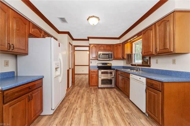 745 Helmsdale Way, Chesapeake, VA 23320 (MLS #10279130) :: Chantel Ray Real Estate