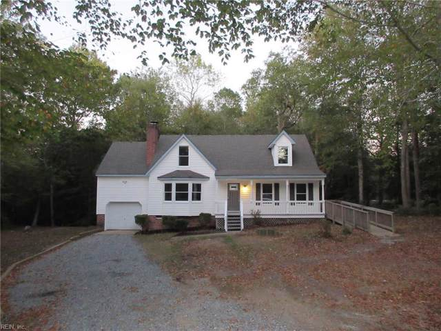 7059 Lord Carrington Dr, Gloucester County, VA 23061 (MLS #10287075) :: Chantel Ray Real Estate