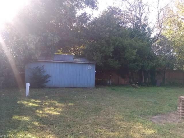 8069 Lynnbrook Dr, Norfolk, VA 23518 (MLS #10289573) :: Chantel Ray Real Estate
