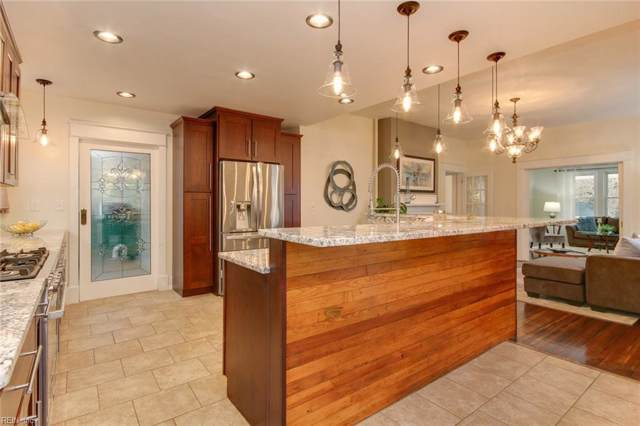 1711 Fontainebleau Cres, Norfolk, VA 23509 (#10292981) :: Berkshire Hathaway HomeServices Towne Realty