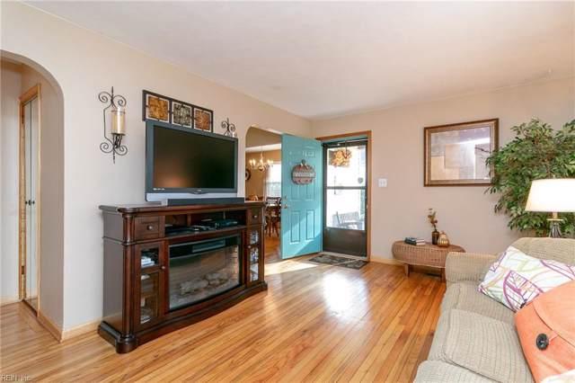 7716 Nesbitt Dr, Norfolk, VA 23505 (MLS #10296756) :: Chantel Ray Real Estate