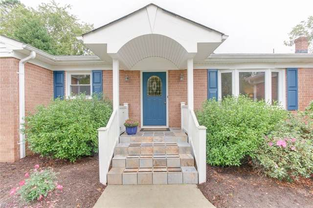 920 Five Point Rd, Virginia Beach, VA 23454 (#10296924) :: Kristie Weaver, REALTOR