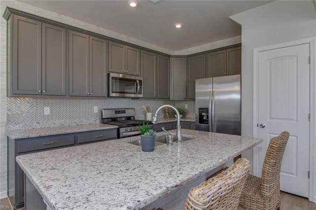 604 Revival Ln, Virginia Beach, VA 23462 (#10299528) :: Berkshire Hathaway HomeServices Towne Realty