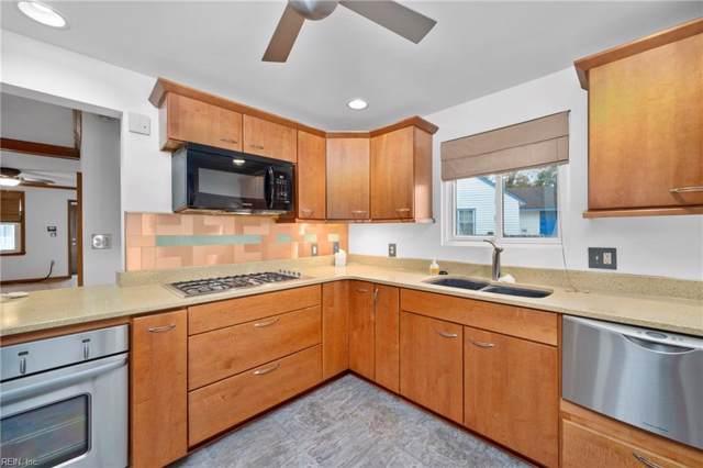 1390 Fishermans Rd, Norfolk, VA 23503 (#10299858) :: Berkshire Hathaway HomeServices Towne Realty