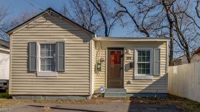 204 W Chamberlin Ave, Hampton, VA 23663 (#10300240) :: Kristie Weaver, REALTOR