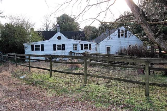 6769 Williams Landing Rd, Gloucester County, VA 23072 (#10301192) :: The Kris Weaver Real Estate Team