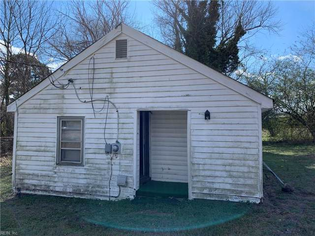 216 Pocahontas Ave, Isle of Wight County, VA 23851 (MLS #10301482) :: Chantel Ray Real Estate