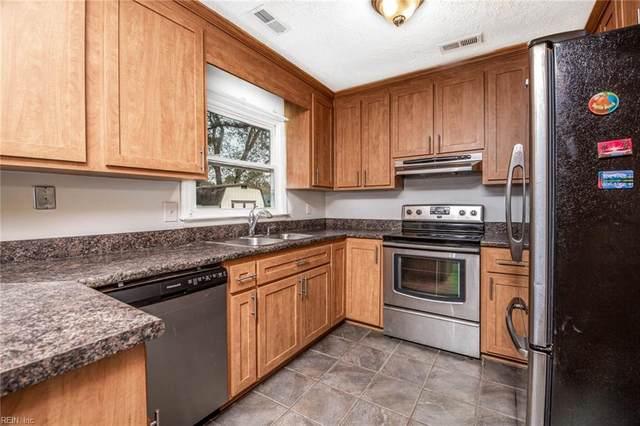 514 Lucas Creek Rd, Newport News, VA 23602 (#10301989) :: Kristie Weaver, REALTOR