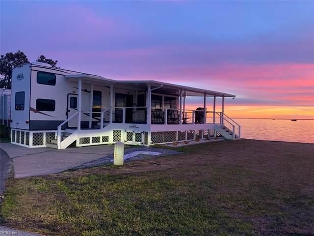 3665 Sandpiper Rd #124, Virginia Beach, VA 23456 (#10303291) :: Berkshire Hathaway HomeServices Towne Realty