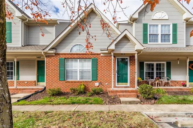 228 N Hill Ln, Chesapeake, VA 23322 (#10303310) :: Berkshire Hathaway HomeServices Towne Realty