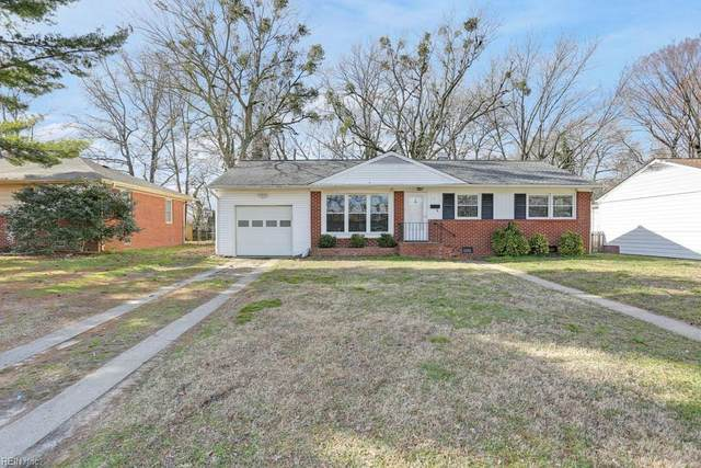 13 Lynnhaven Dr, Hampton, VA 23666 (MLS #10303335) :: Chantel Ray Real Estate