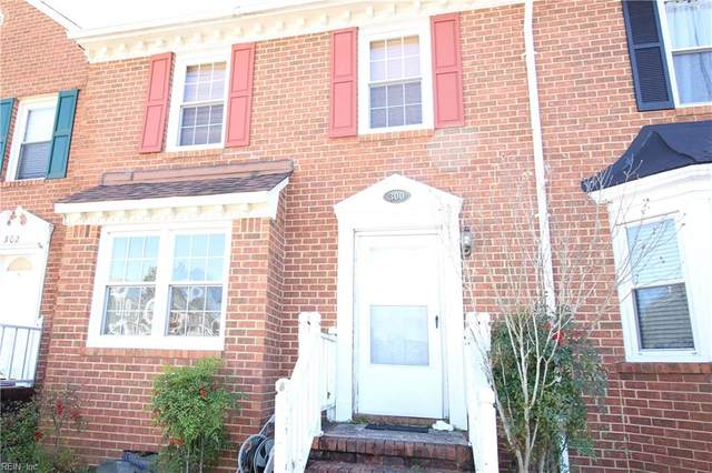 300 San Roman Dr, Chesapeake, VA 23322 (MLS #10303584) :: Chantel Ray Real Estate