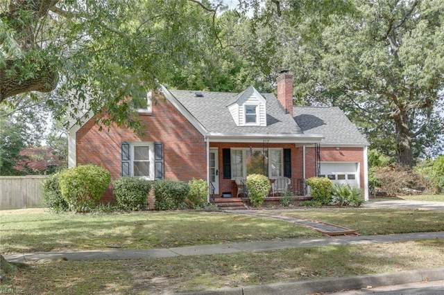 8819 Commodore Dr, Norfolk, VA 23503 (MLS #10303984) :: Chantel Ray Real Estate