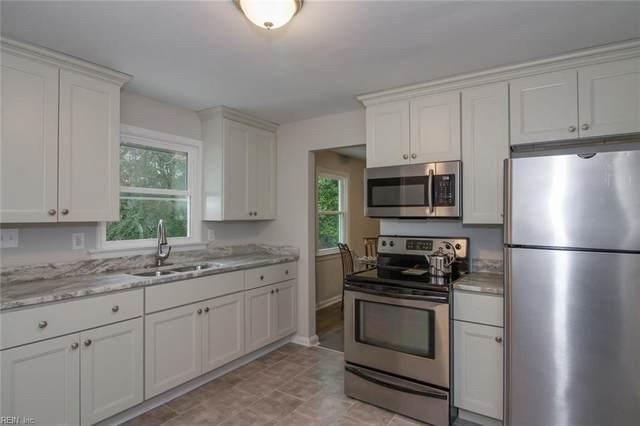 105 Woodhaven Rd, Newport News, VA 23608 (MLS #10304545) :: Chantel Ray Real Estate