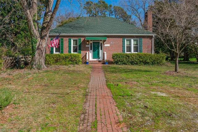 10 Bloxoms Ln, Hampton, VA 23664 (#10305551) :: The Kris Weaver Real Estate Team