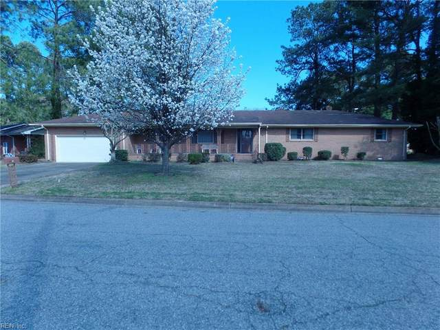 901 Flintfield Cres, Chesapeake, VA 23321 (MLS #10308910) :: Chantel Ray Real Estate