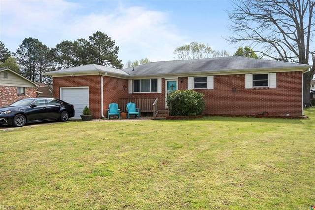 941 Cogliandro Dr, Chesapeake, VA 23320 (MLS #10311454) :: Chantel Ray Real Estate