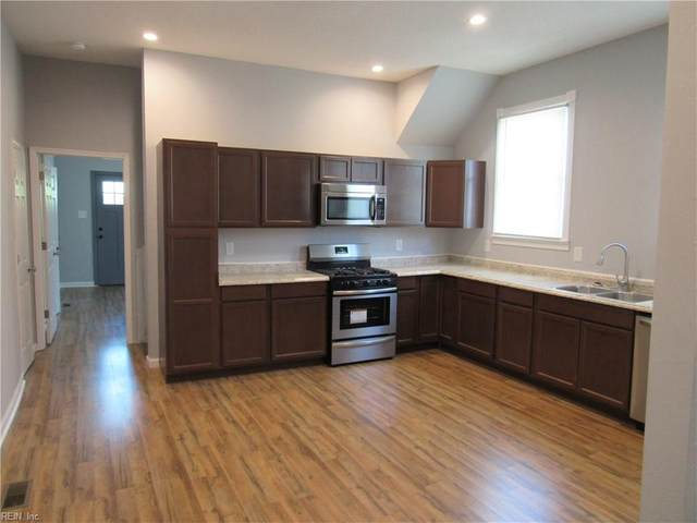 208 Webster Ave, Portsmouth, VA 23704 (MLS #10312661) :: Chantel Ray Real Estate