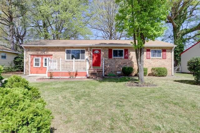 135 Saint Stephens Dr, Newport News, VA 23602 (#10313225) :: The Kris Weaver Real Estate Team