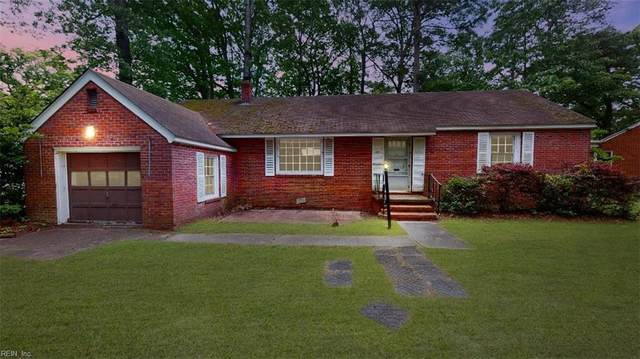 17 Pin Oak Rd, Newport News, VA 23601 (#10320639) :: Gold Team VA